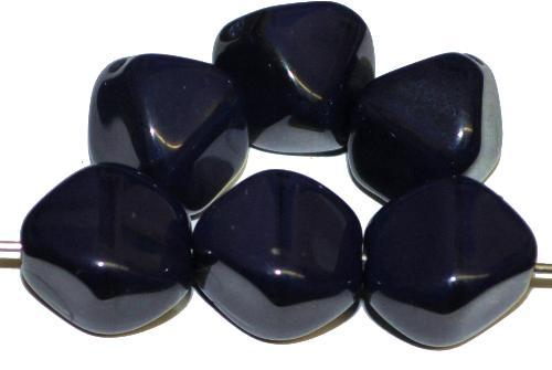 Best.Nr.:s-0030 Glasperlen Doppelpyramiden,  nachtblau opak,  hergestellt in Gablonz / Tschechien