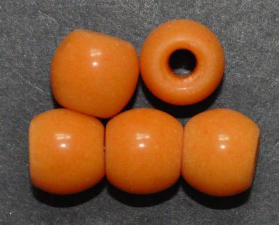 Best.Nr.:63792 Glasperlen in den 1920/30 Jahren in Gablonz/Böhmen hergestellt, orange, (nur noch wenige auf Lager)