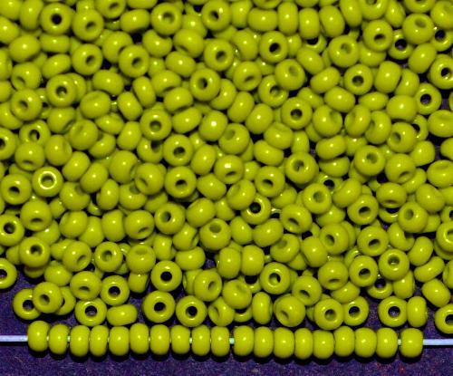 Best.Nr.:01103  Rocailles von Ornella Preciosa Tschechien, oliv opak