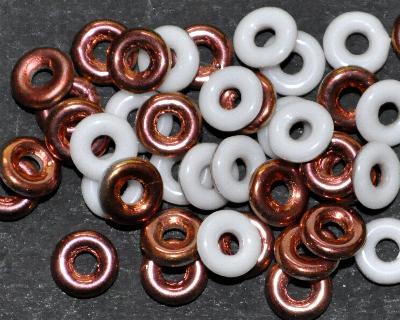 Best.Nr.:52023 Glasperlen Ringe, Spacer, weiß eine Seite mit cupfer Veredelung, hergestellt in Gablonz / Tschechien
