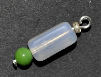 Best.Nr.:34094 Glasanhänger mit Öse, Aus antiken böhmischen Glasperlen, rechteckige Opalglasperle und grüne Wickelglasperle