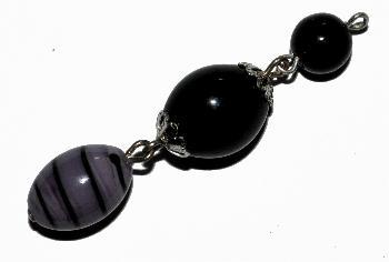 Best.Nr.:34001 Glasanhänger mit Öse, Aus drei Glasperlen, davon eine böhmischen Wickelglasperlen