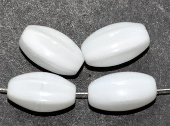 Best.Nr.:63750 Glasperlen in den 1950/60 Jahren in Gablonz/Böhmen hergestellt milkywithe (nur noch wenige auf Lager)