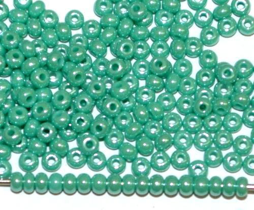 Best.Nr.:03014 Rocailles von Preciosa Tschechien grünblau opak /schimmernd (lüster)