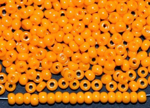 Best.Nr.:03027 Rocailles von Ornella Preciosa Tschechien,  orangegelb opak irisierend