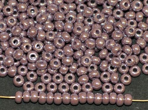 Best.Nr.:03048/100  Rocailles von Ornella Preciosa Tschechien,  violett opak /schimmernd (lüster)