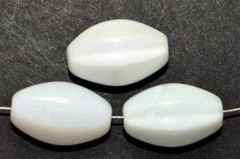 Best.Nr.:63326 Glasperlen in den 1950/60 Jahren in Gablonz/Böhmen hergestellt milkywithe (nur noch wenige auf Lager)