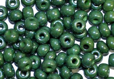 Best.Nr.:03080 Rocailles von Preciosa Tschechien grün opak /schimmernd (lüster)