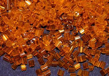 Best.Nr.:19073 Glasperlen / Stiftperlen in den 1940/50 Jahren in Gablonz/Böhmen hergestellt, orangegelb transp.