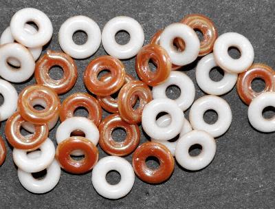 Best.Nr.:52044 Glasperlen Ringe, Spacer, weiß eine Seite mit kupfer AB, hergestellt in Gablonz / Tschechien