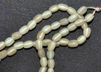 Best.Nr.:63615 Glasperlen in den 1920/30 Jahren in Gablonz/Böhmen hergestellt, Perlettglas
