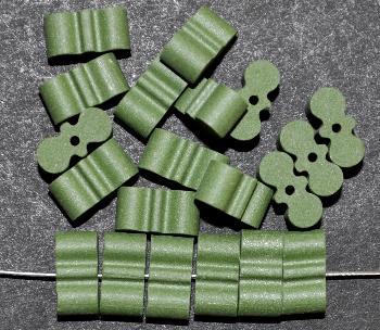 Best.Nr.:75061 vintage Keramikperlen, mattiert um 1960 in Gablonz/Böhmen hergestellt, grün