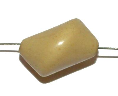 Best.Nr.:63839 Glasperlen Nuggets 1920/30 in Gablonz/Böhmen hergestellt, beige opak (nur wenige auf Lager)