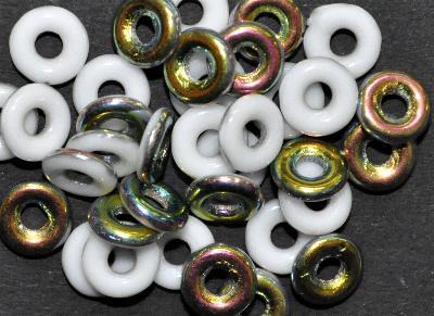 Best.Nr.:0023 Glasperlen Ringe, Spacer, weiß eine Seite mit metallic Veredelung, hergestellt in Gablonz / Tschechien