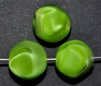 Best.Nr.:671224 Glasperlen / Table Cut Beads geschliffen, Perlettglas grün, Rand mattiert