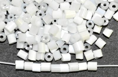 Best.Nr.:16009 Schnittperlen  Satinglas weiß,  hergestellt von Ornella Preciosa Tschechien,