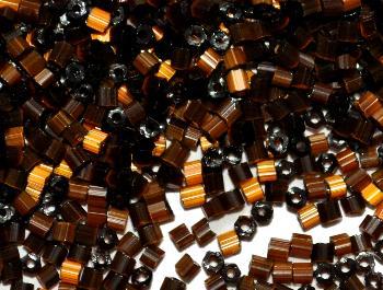 Best.Nr.:16025 Glasperlen / Stiftperlen von Preciosa Tschechien hergestellt, Satinglas dunkelbraun