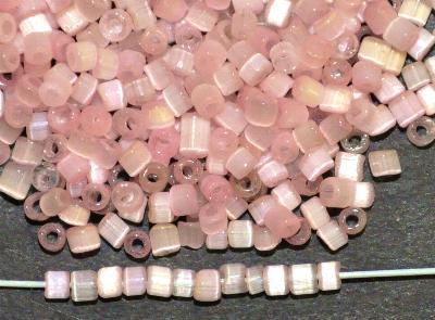 Best.Nr.:16007 Glasperlen aus  Satinglas rosa,  hergestellt von Ornella Preciosa Tschechien,