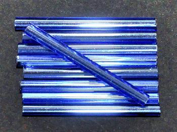 Best.Nr.:21131 Glasperlen / Stiftperlen, extra lang, von Preciosa Ornella Tschechien hergestellt, blau mit Silbereinzug