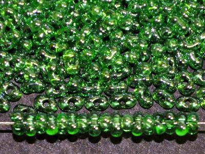 Best.Nr.:00844 Farfalle Rocailles von Ornella Preciosa Tschechien grün transp. mit lüster