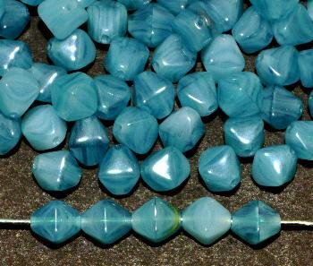 Best.Nr.:54103 Glasperlen Doppelpyramide vierkantig türkis meliert