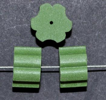 Best.Nr.:75080 vintage Keramikperlen, mattiert um 1960 in Gablonz/Böhmen hergestellt, grün