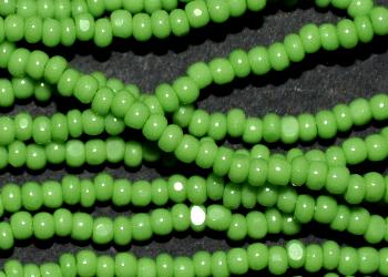 Best.Nr.:77017 Cut Rocailles / Charlottes (angeschliffene Rocailles) von Preciosa Tschechien grün opak