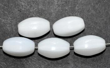 Best.Nr.:63183 Glasperlen in den 1950/60 Jahren in Gablonz/Böhmen hergestellt milkywithe (nur noch wenige auf Lager)