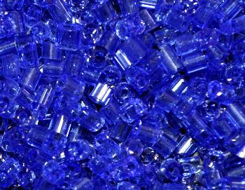 Best.Nr.:19303 Glasperlen / Stiftperlen in den 1940/50 Jahren in Gablonz/Böhmen hergestellt, blau transp.