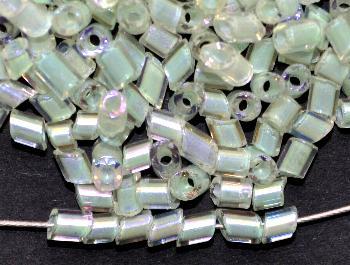 Best.Nr.:20011 Glasperlen / 2-cut-beads von Preciosa Tschechien hergestellt, kistall mit AB und Farbeinzug hellgrün