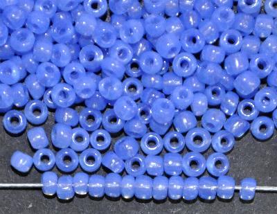 Best.Nr.:61221 Rocailles ( Ponybeads ) um 1900 von der Firma Salvadori in Frankreich hergestellt,  Opalglas blau