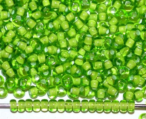 Best.Nr.:12166 Rocailles von Ornella Preciosa Tschechien,  grün transp. mit Farbeinzug weiß
