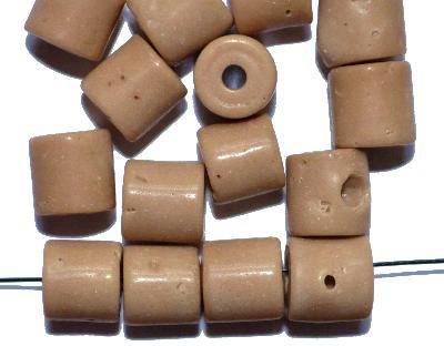 Best.Nr.:63800 Glasperlen ( tilt-beads ) in den 1920/30 Jahren in Gablonz/Böhmen hergestellt, beige z.T. mit Blasen, (Prosserbeads) (nur noch wenige auf Lager)