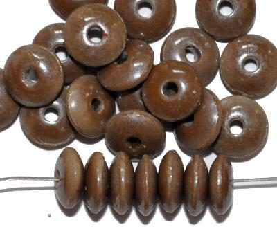 Best.Nr.:63789 Glasperlen / Trade Beads, Linsen, beige opak mit lüster, in den 1930/40 Jahren in Gablonz/Böhmen hergestellt, (Prosserbeads)