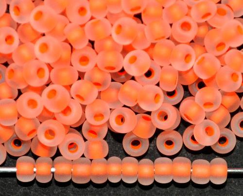 Best.Nr.:14081  Rocailles von Ornella Preciosa Tschechien  kristall mattiert (frostet) mit fluoreszierendem Farbeinzug neon orange