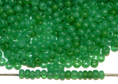 Best.Nr.:61254 Rocailles um 1920 in Gablonz/Böhmen hergestellt,  greasy green