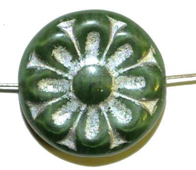 Best.Nr.:59202 vintage style Glasperlen, mit eingeprägter Blütenmandala, grün mit silber finish  nach alten Vorlagen aus den 1930 Jahren in Gablonz/Böhmen neu gefertigt,