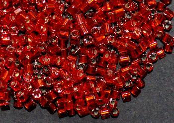 Best.Nr.:41104 Glasperlen / Schnittperlen, von Preciosa Ornella Tschechien hergestellt, rot mit Silbereinzug