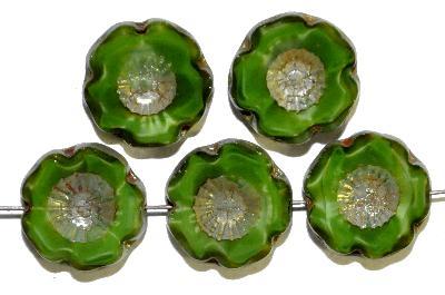 Best.Nr.:671033 Glasperlen / Table Cut Beads  Perlettglas grün,  Blüten geschliffen mit burning silver picasso finish, hergestellt in Gablonz / Böhmen