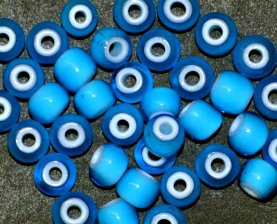 Best.Nr.:17008 Rocailles blau mit weißen Kern