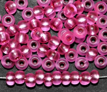 Best.Nr.:14045 Rocailles von Preciosa Tschechien pink mattiert (frostet) mit Silbereinzug