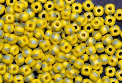 Best.Nr.:13048 Rocailles von Ornella Preciosa Tschechien, gelb grün gestreift, mattiert ( frostet )
