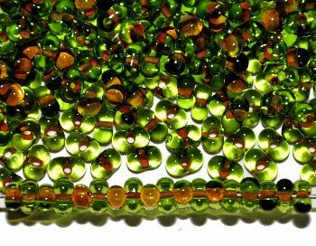 Best.Nr.:00806 Farfalle Rocailles von Preciosa Tschechien grün mit Farbeinzug ocker