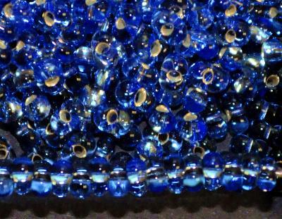 Best.Nr.:00841 Farfalle Rocailles von Preciosa Tschechien aqua mit Silbereinzug