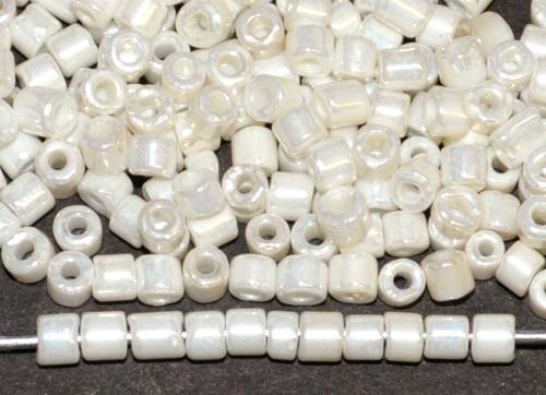 Best.Nr.:19263/100 2 cut beads von Ornella Preciosa Tschechien / weiß mit lüster