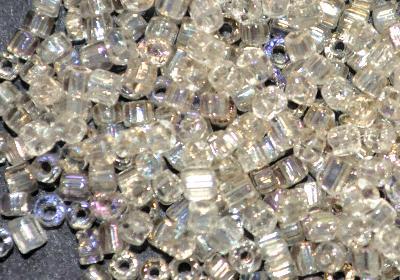 Best.Nr.:63837 Glasperlen in den 1920/30 Jahren in Gablonz/Böhmen hergestellt, 2-cut kristall ( leicht rauchig ) mit AB