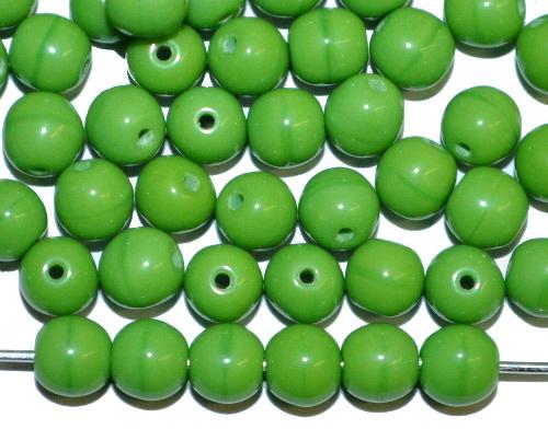 Best.Nr.:22296  Glasperlen rund,  erbsengrün opak,  hergestellt in Gablonz / Tschechien