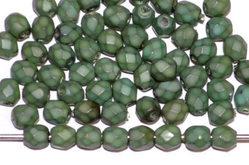 Best.Nr.:24019 facettiert Glasperlen mit Wachsüberzug russisch grün, hergestellt in Gablonz / Tschechien