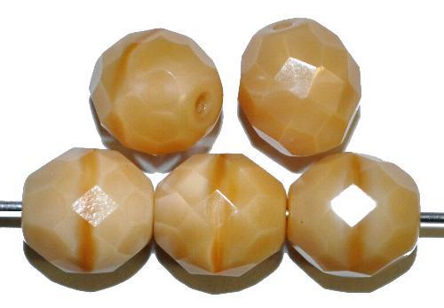 Best.Nr.:26522  facettierte Glasperlen  beige opak,  hergestellt in Gablonz / Tschechien