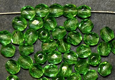 Best.Nr.:27582 Glasperlen facettiert grün transparent, hergestellt in Gablonz / Tschechien